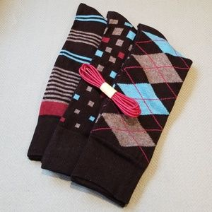 Other - 3 Pair Mens Sock Set w/Fashion Shoe Laces